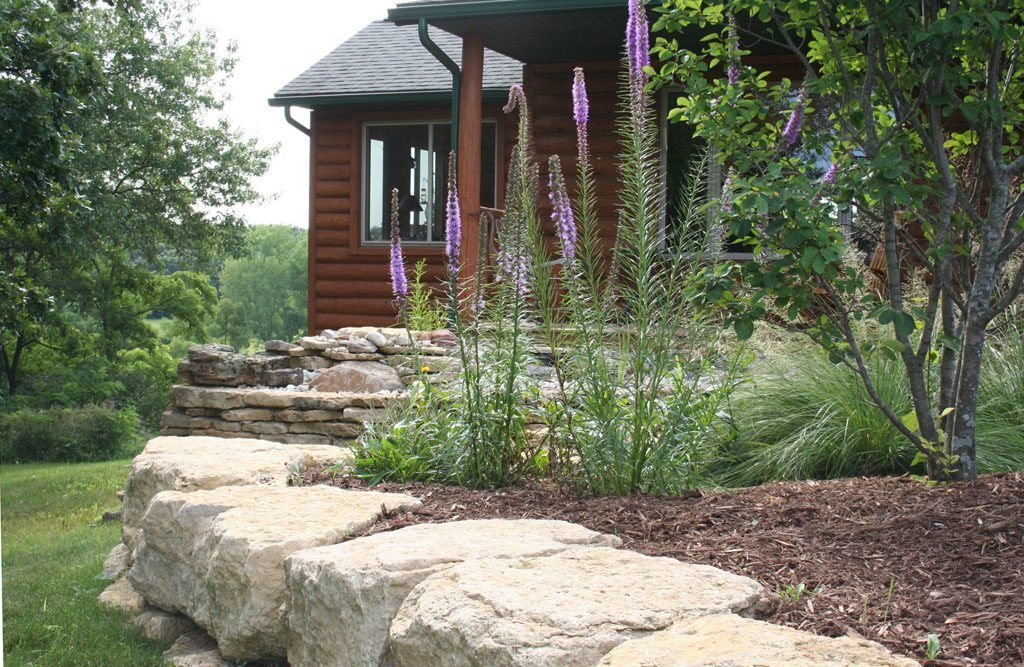 dickinson_residence_natural_stone_wall_edging_albany_wi