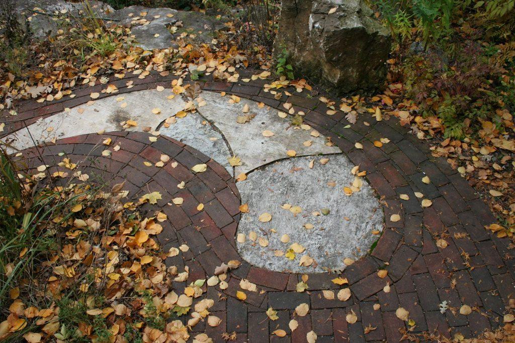 reindollar_residence_madison_wi_stone_walkway