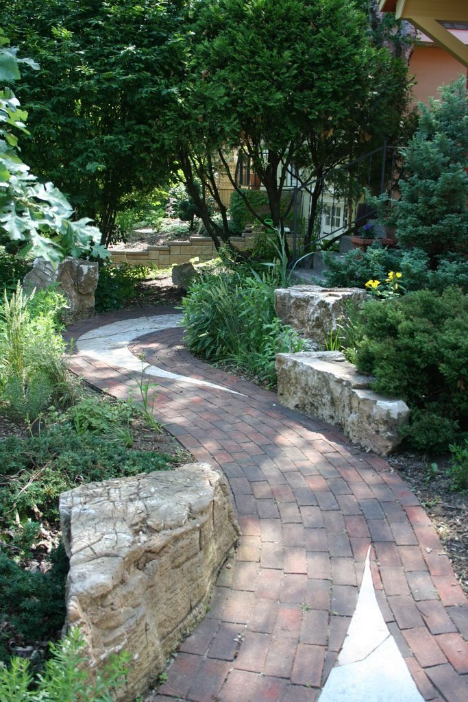 reindollar_residence_madison_wi_stone_walkway_2